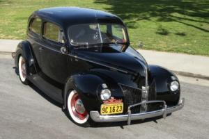 1940 Ford Standard Tudor Photo