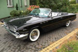 1961 Buick LeSabre Photo