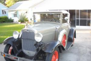 1931 Ford Model A cabiraet