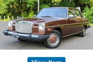 1976 Mercedes-Benz 200-Series