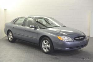 2001 Ford Taurus 4dr Sedan SE