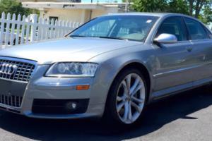 2007 Audi S8 Photo