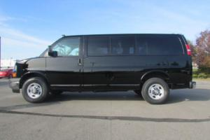 "2017 Chevrolet Express RWD 2500 135"" LT Photo"