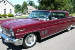 1960 Lincoln Continental Photo
