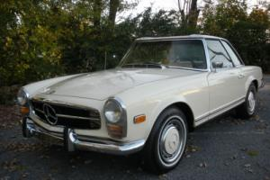 1969 Mercedes-Benz 200-Series