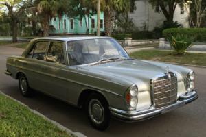 1967 Mercedes-Benz 200-Series 4-speed MANUAL true EURO W108 in DB180 Silver-Grey