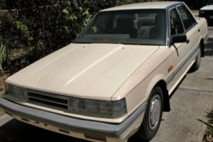1986 Nissan Skyline 5 SPEED MANUAL sedan