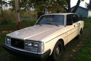 1983 Volvo 240 Photo