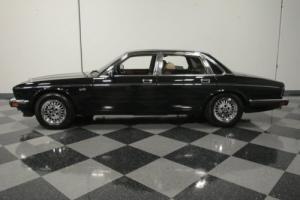 1989 Jaguar XJ6 Vanden Plas Photo