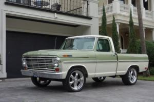 1968 Ford F-100 F100 / Custom Cab