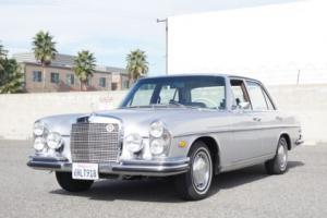 1969 Mercedes-Benz 200-Series SE