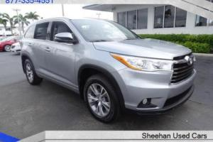 2014 Toyota Highlander XLE AWD Awesome 1 Owner 7 Pass w/NAVI
