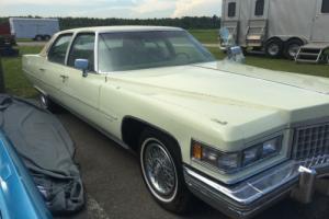 1976 Cadillac Fleetwood Photo