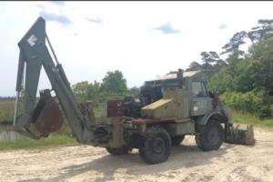UNIMOG Freightliner FLU419 Small Emplacement Excavator (NO RESERVE)