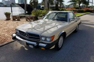 1986 Mercedes-Benz SL-Class 560 SL Photo