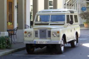 1976 Land Rover Defender SANTANA DEFENDER Photo