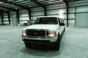 2001 Ford Excursion Photo
