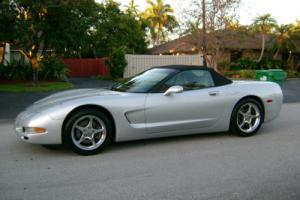 2001 Chevrolet Corvette Convertible Photo