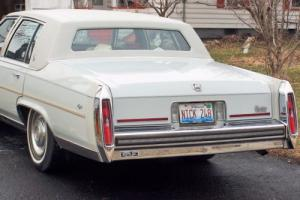 1989 Cadillac Brougham Photo
