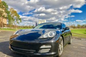 2010 Porsche Panamera 4S Photo