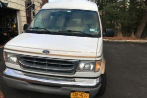 2000 Ford E-Series Van