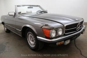 1979 Mercedes-Benz 200-Series Photo