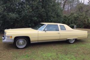 1975 Cadillac DeVille d'Elegance Photo