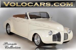 1940 Pontiac Deluxe --