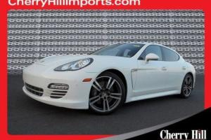 2013 Porsche Panamera 4 Platinum Edition Photo