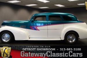 1939 Pontiac Silver Streak --