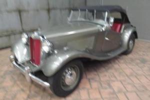 1953 MG TD ROADSTER -- Photo