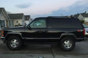 1999 Chevrolet Tahoe Photo