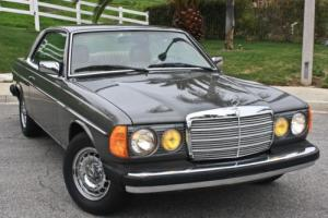 1984 Mercedes-Benz 300-Series Photo