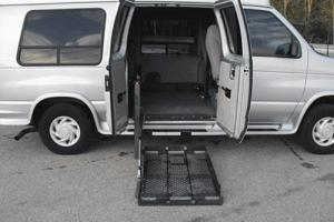 2001 Ford E-Series Van