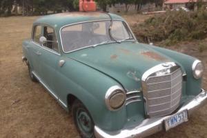 mercedes roundie benz 190??? Photo