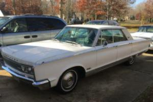 1966 Chrysler New Yorker Photo