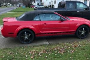 2007 Ford Mustang Deluxe convertible