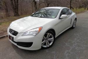 2011 Hyundai Genesis 2.0T 2dr Coupe Photo