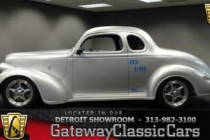 1937 Plymouth Other -- Photo
