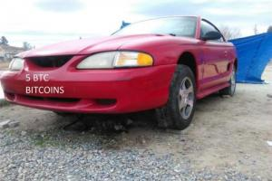 1995 Ford Mustang coupe Photo