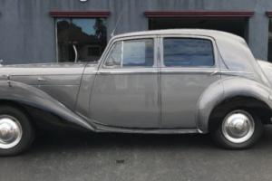 Bentley mark 6 - 1949 model black and silver sedan MK6 MKIV Photo