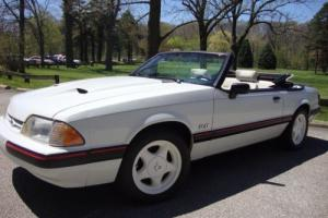 1988 Ford Mustang CONVERTIBLE