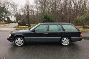 1995 Mercedes-Benz E-Class Photo