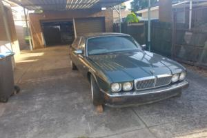 Jaguar XJ40 with complete spare Transmission and AJ Motor Photo