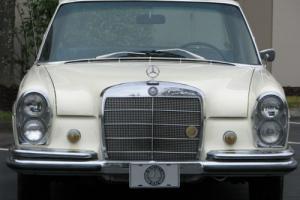 1967 Mercedes-Benz 200-Series 250S