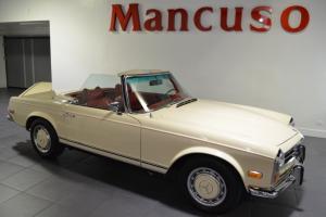 1971 Mercedes-Benz 200-Series SL Photo