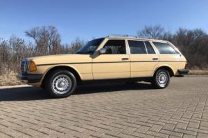 1983 Mercedes-Benz 300-Series 300TD Photo