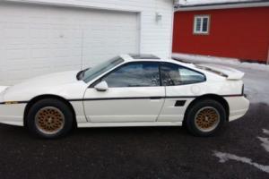 1988 Pontiac Fiero Photo