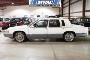 1990 Cadillac DeVille 4dr Sedan