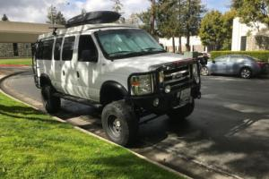 2009 Ford E-Series Van XLT